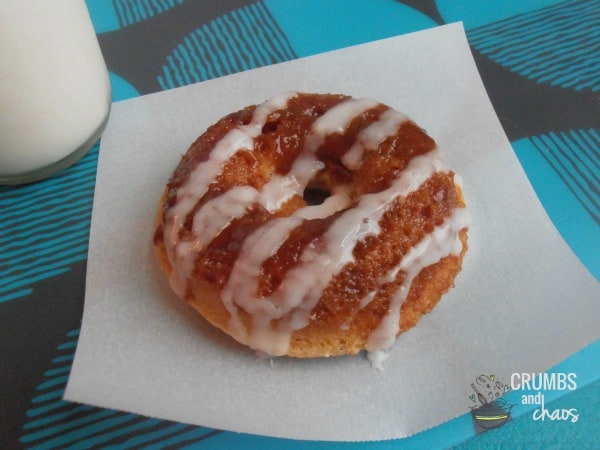 cinnamon-roll-donuts-feat