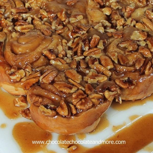 Caramel-Pecan-Sticky-Buns05a.jpg