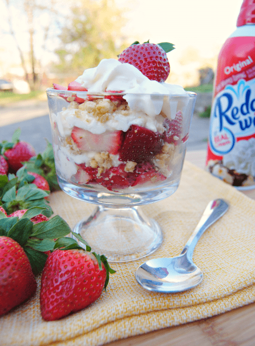 Strawberries and Cream Crunch Parfait 04