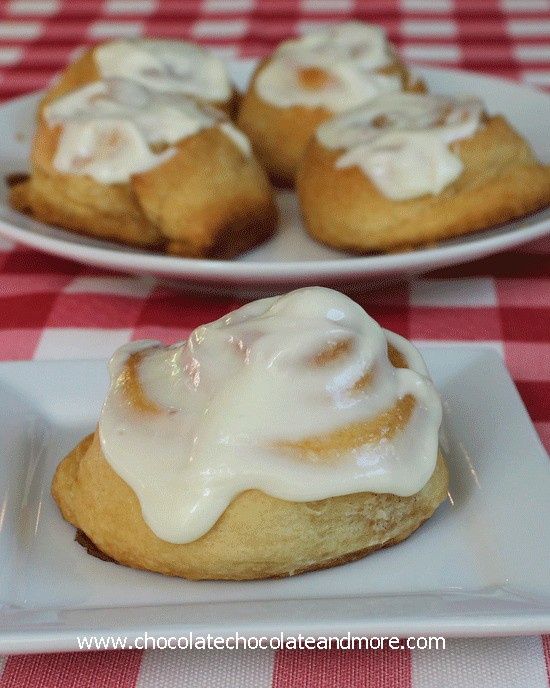 Quick and Easy Cinnamon Buns with Cream Cheese Icing makes these the perfect fast breakfast treat!