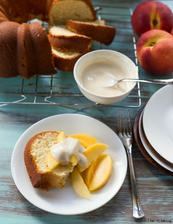Greek-Yogurt-Pound-Cake5-from-ihearteating-featured at-ChocolateChocolateandmore