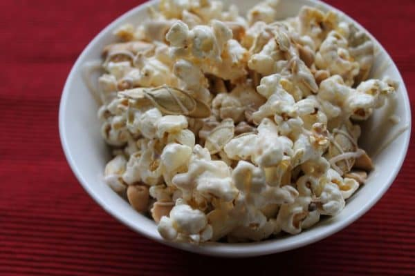 White-Chocolate-Pumpkin-Popcorn