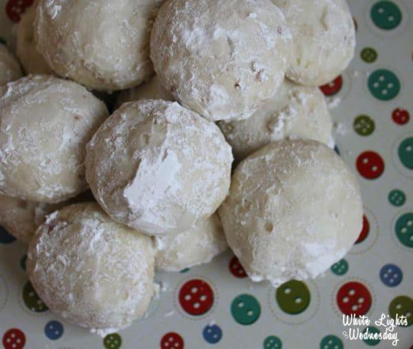 5-Ingredient-Vanilla-Almond-Snowballs