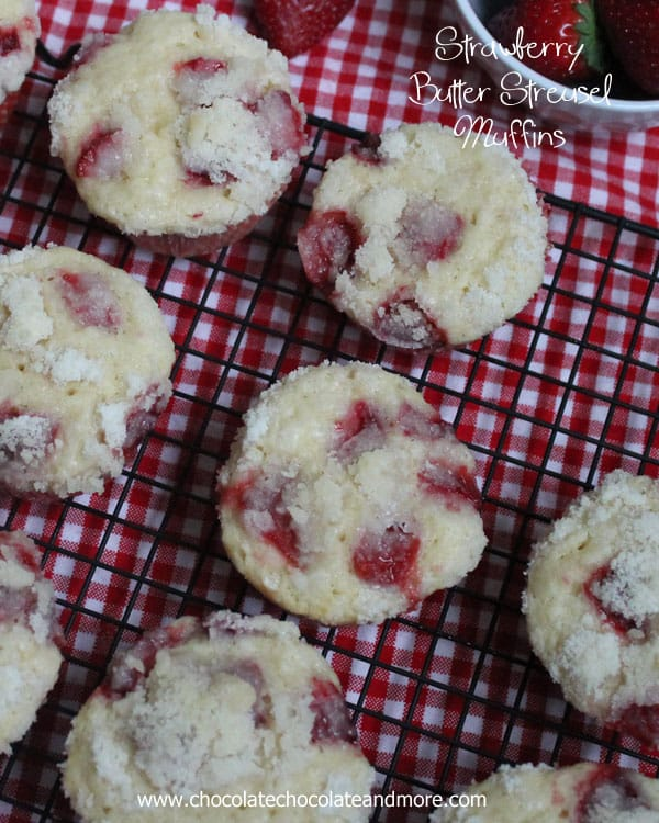 Strawberry Butter Streusel Muffins from ChocolateChocolateandmore 24a