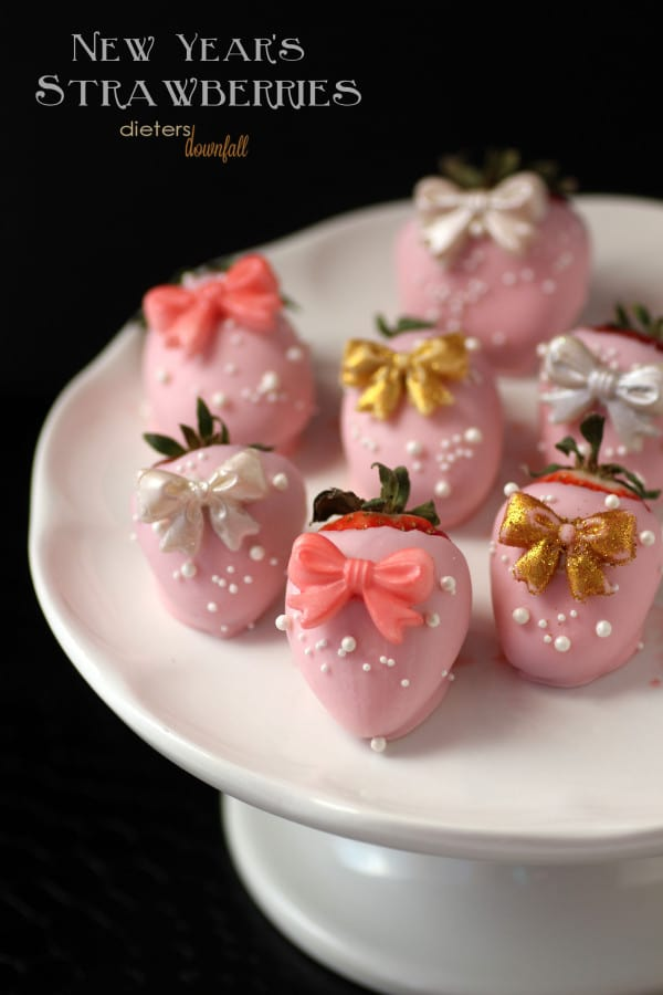 50 Pastel Desserts for Spring: Chocolate Covered Strawberries