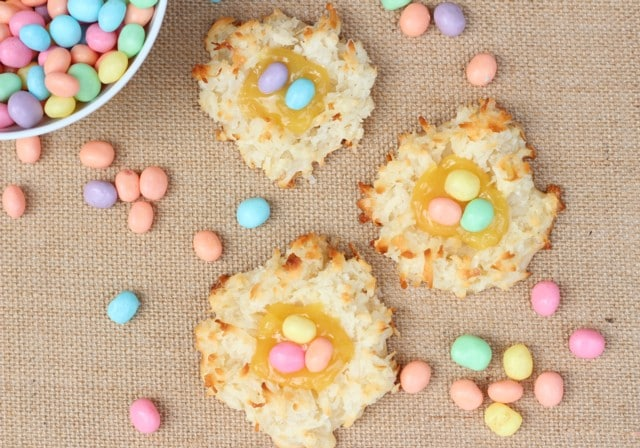 50 Pastel Desserts for Spring: Coconut Lemon Macaroons