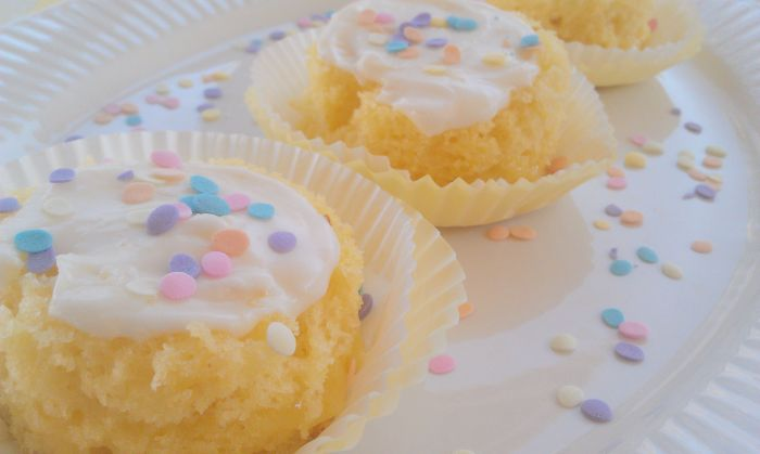 50 Pastel Desserts for Spring: Lemon Champagne Mini Cakes