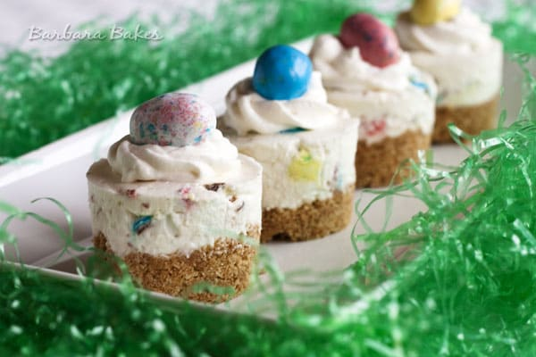 50 Pastel Desserts for Spring: Robin's Egg No Bake Cheesecake
