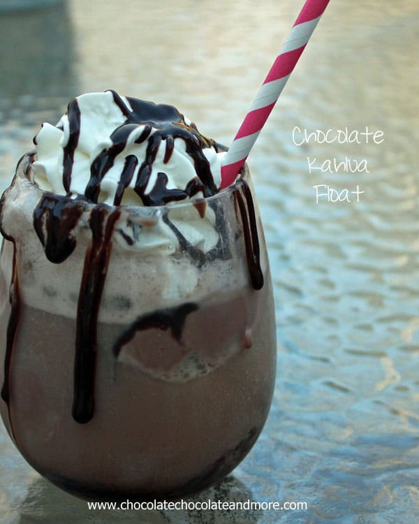 Chocolate Kahlua Floats-who says adults can't enjoy a fun drink!