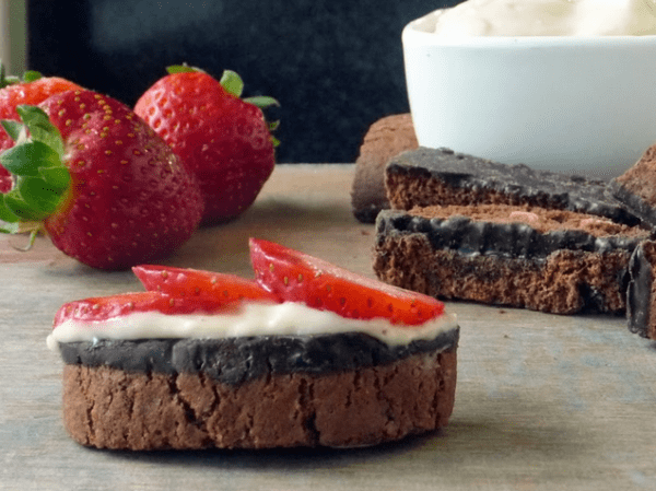 50 No Bake Treats: Strawberry Dessert Bruschetta