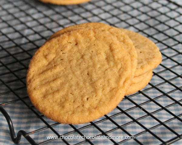 Peanut Butter Sugar Cookies-the best of a sugar cookie and a peanut butter cookie come together in these soft thin cookies.