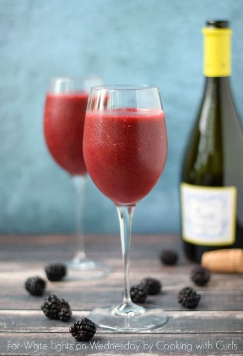 100 Frozen Drinks: Wine Smoothie