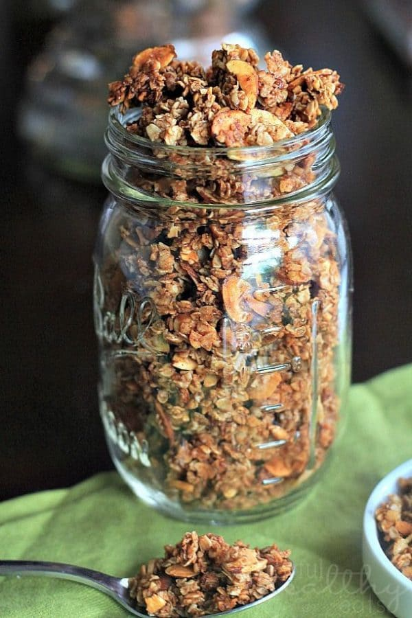 50 Very Vanilla Recipes: Homemade Almond Vanilla Granola