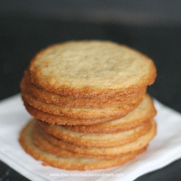 Almond flavored cookies recipe