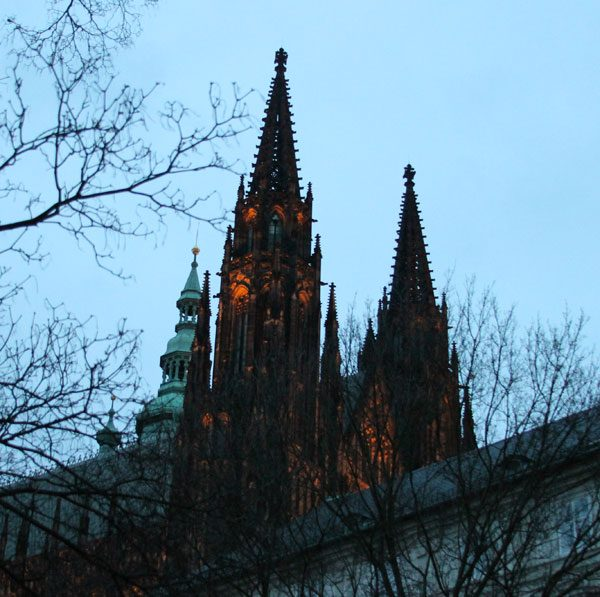 Prague-Castle-dusk-lighted-06a