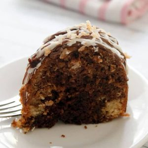 Chocolate-Syrup-Bundt-Cake-slice-76c