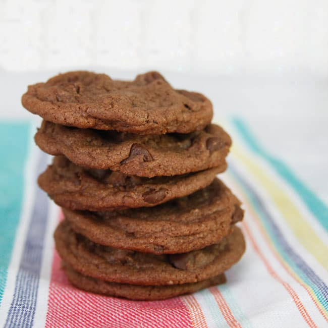 Double Chocolate Nutella Cookies-make these crisp chocolatey cookies with your favorite chocolate spread!