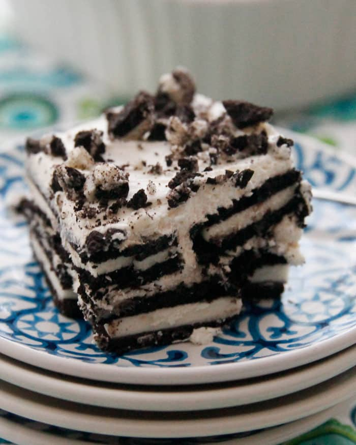 Oreo Icebox Cake-just 3 ingredients and a little time chilling is all that's needed to make this cool treat!