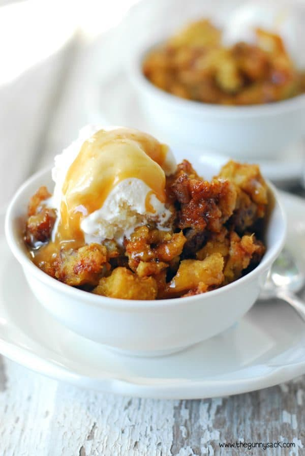 Slow Cooker Pumpkin Pecan Bread Pudding by thegunnysack.com