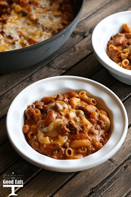 Southwest Chili Mac from Grace and Good Eats is hearty, great for a cold night and just a few simple ingredients!