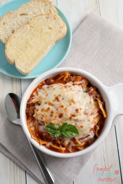I'm not waiting for it to get cold to try this easy Weeknight Lasagna Soup from Frugal Foodie Mama, from start to finish, it's on the table in just 30 minutes!