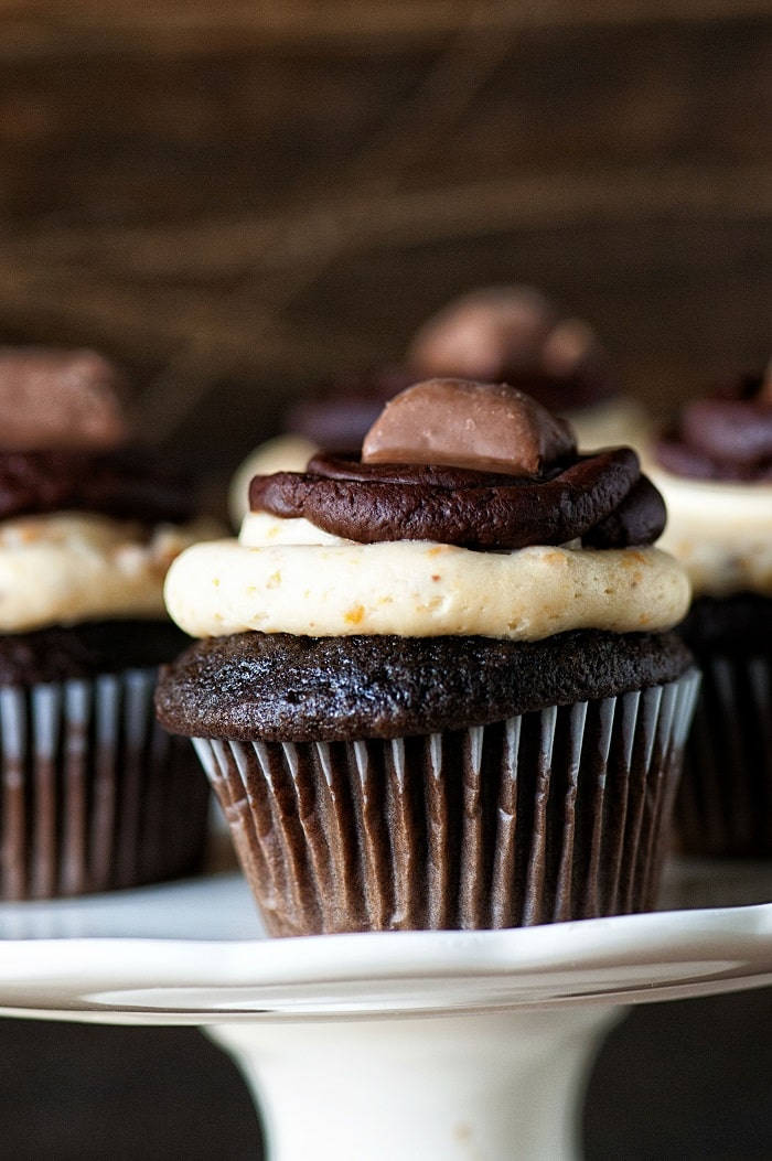 Dark Chocolate Butterfinger Cupcakes 002