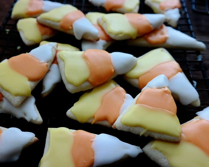 create these easy halloween cookies using this iced sugar cookies recipe perfect for any holiday - Decorating Halloween Cookies