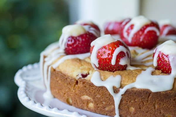 Strawberry Lemon Glazed Poundcake