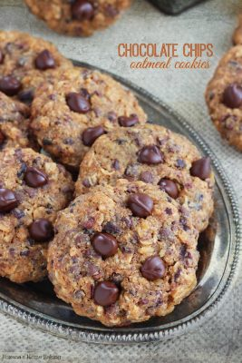 chocolate-chips-oatmeal-cookies-recipe-1