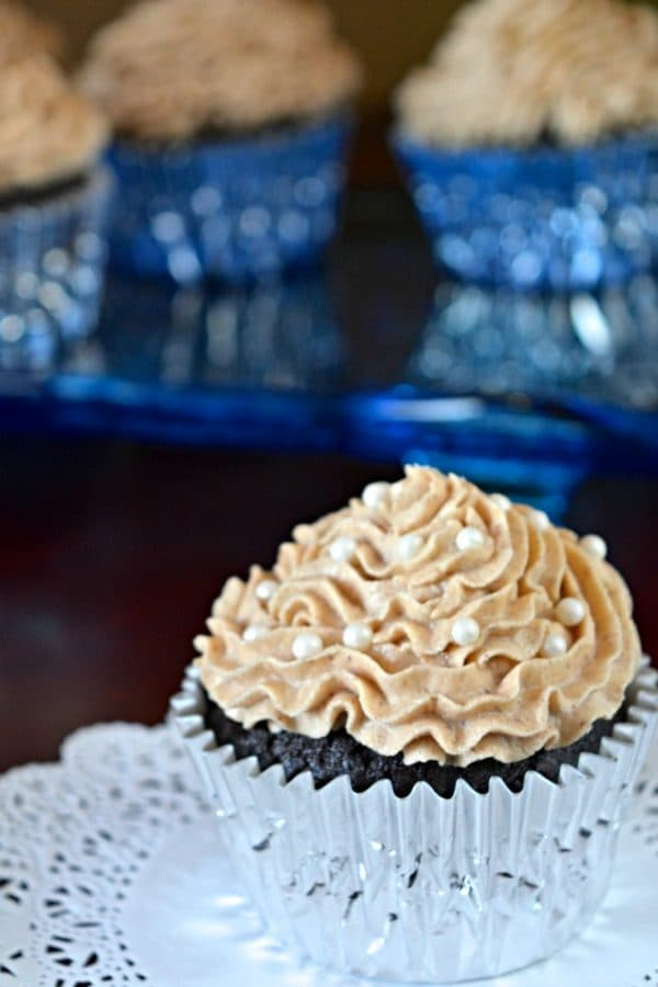 Decorated Chai Buttercream Cupcakes