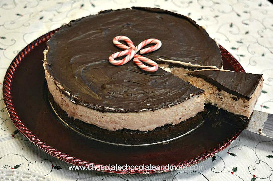 peppermintstickcheesecakewholeslice2ed