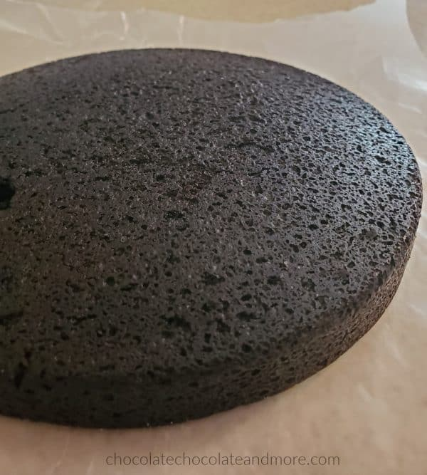 a single layer of 2 ingredient oreo cake cooling on a counter